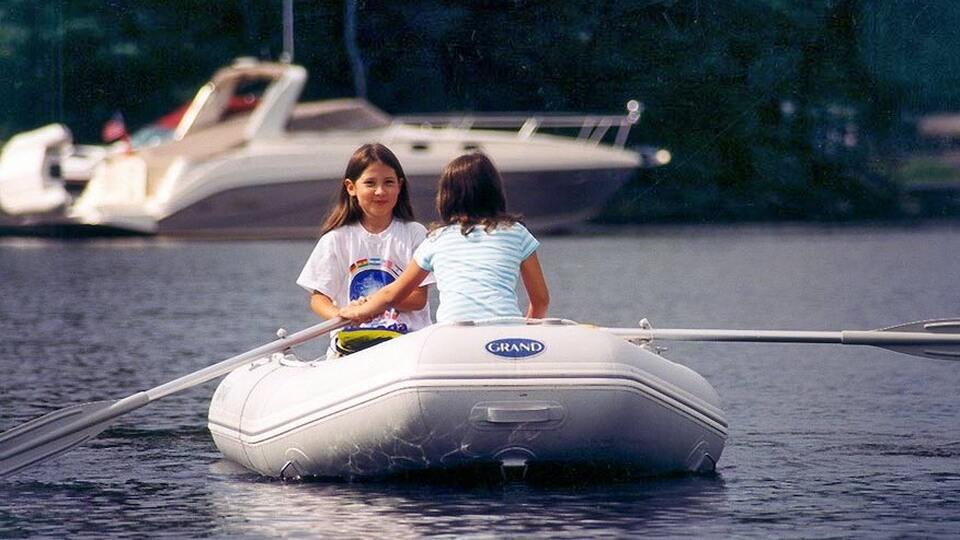 Складная надувная лодка с настилом GRAND ELF E300, Надувная лодка ELF E300, GRAND ELF E300, GRAND E300, Складная надувная лодка GRAND, Надувная лодка GRAND, Надувная лодка ГРАНД, Разборная надувная лодка с жёстким настилом, Разборная надувная лодка с надувным настилом, Fordable Boats, надувная лодка с транцем, надувная лодка для рыбалки, надувная лодка пвх, лодка пвх