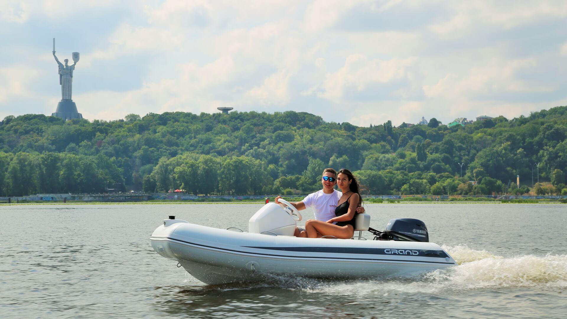 Надувная лодка с жестким дном GRAND Silver Line S330L,Надувная лодка GRAND Silver Line S330L, GRAND Silver Line S330L, GRAND Silver Line S330LF, GRAND S330L, GRAND S330LF, GRAND S330, Надувная лодка GRAND, Надувная лодка ГРАНД, Надувная лодка с жестким дном, RIB, Rigid Inflatable Boats