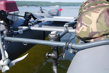Замок и монтажная площадка для установки на трубу Ø 22-25 мм, универсальные держательные системы, Fasten, borika, fmr225, fasten fmr225, замок для лодки, замок на лодку, универсальный крепеж