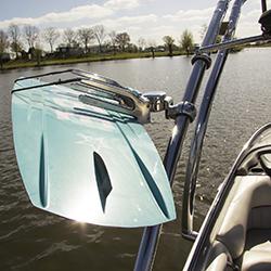 Addict Pivoting Swivel Board Rack JOBE, Piv. Swivel Brd Rack Anodized JOBE, Pivoting Swivel Board Rack Anodized JOBE, JOBE 405614001, 405614001, Держатель для вейкборда с поворотным механизмом, Крепление для вейкборда, крепление для вейкборда на лодку, крепление на катер для вейкборда, держатель для вейка