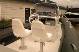 Поворотные сиденья для пилота и пассажира (GRAND Silver Line S550LF)