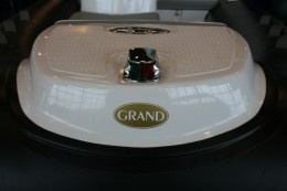 Якорная накладка на надувной лодке - GRAND Golden Line G380EF (вид спереди)