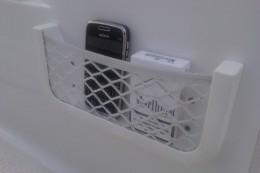 Сетка RICHTER для хранения предметов. Рама из белого АБС-пластика с эластичной сеткой из плетеного нейлона.