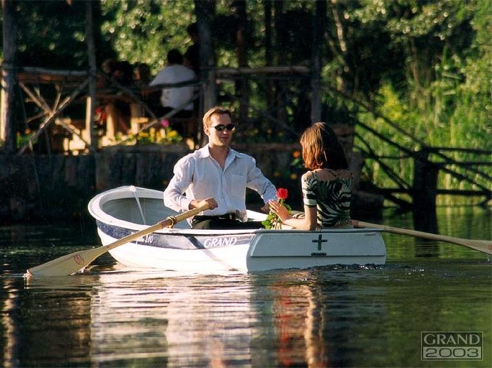 гребная лодка GRAND REGATTA, гребная лодка GRAND, стеклопластиковая лодка GRAND, GRAND RG310, GRAND Regatta RG310, RG310, прогулочная лодка, гребная лодка, гребные лодки