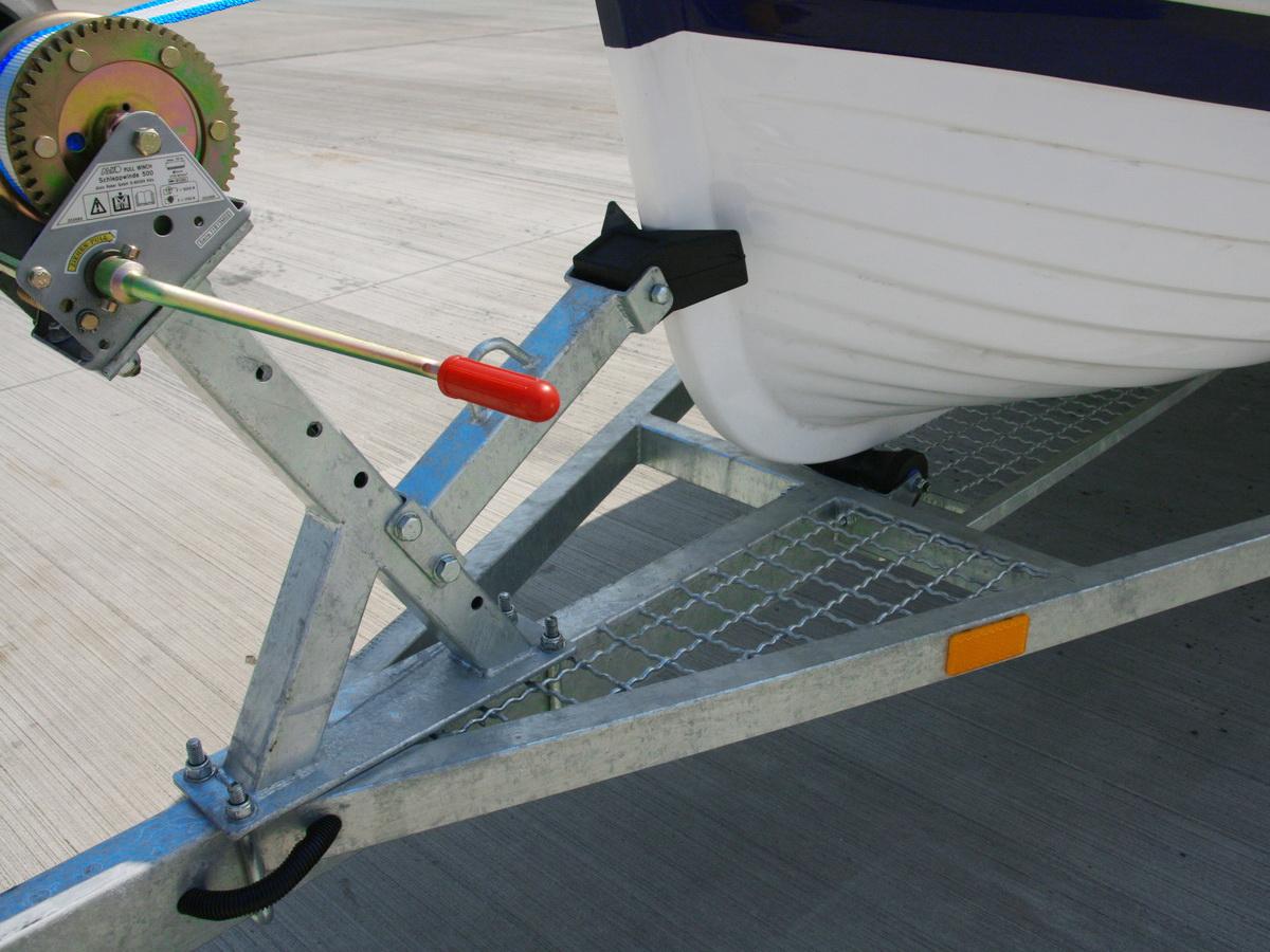 Носовой упор прицепа для лодки GRAND RG370